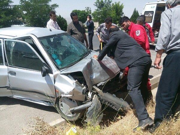 انحراف خودروی پراید 2 زخمی برجای گذاشت